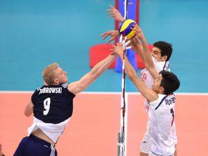 PolandsJakubZiobrowskitryingtosc 300x225 - شکست تلخ جوانان ایران در یک قدمی نیمه نهایی مقابل عقاب ها